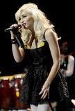 Gwen Stefani - Performing at Neil Young's 23rd Annual Bridge School Benefit Concert - Oct 24, 2009 (x27)