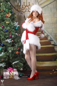 http://img188.imagevenue.com/loc115/th_531603631_silver_angels_Sandrinya_I_Christmas_1_098_123_115lo.jpg