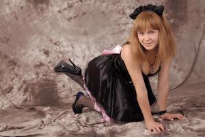http://img188.imagevenue.com/loc184/th_232942379_Silver_Sandrinya_maid_3_109_122_184lo.jpg