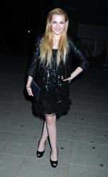 http://img188.imagevenue.com/loc208/th_139479466_AbigailBreslin_VanityFairParty_TribecaFF_270411_013_122_208lo.jpg