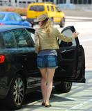 Анна Пакуин, фото 1378. Anna Paquin - booty in jean shorts at LAX Airport 07/31/11, foto 1378