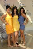 [IMG]http://img188.imagevenue.com/loc487/th_99987_celeb-city.org_Kim_Kardashian_Monte_Carlo_Television_Festival_06-10-2008_034_122_487lo.jpg[/IMG]
