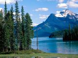 Wallpaperi Th_57327_Maligne_Lake7_Jasper_National_Park5_Alberta5_Canada_122_557lo