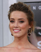 "صور Amber Heard - ""Salt"" Premiere in Los Angeles, July 19, 2010 *updated* th_41511_aMbErHeArDsAlTsCrEeNiNg071910nBs31_122_590lo.jpg"